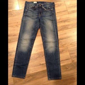 Gap 1969  24/00 Sexy Boyfriend fit jeans
